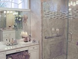 Sit down Make Up Station & Corner Tile & Glass Shower